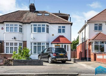 2 bed maisonette for sale in Sefton Avenue, Mill Hill, London NW7