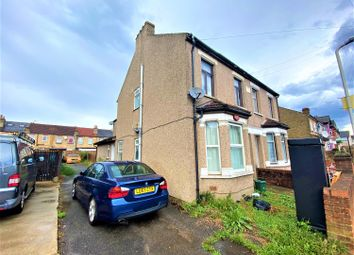 2 bed maisonette for sale in Cromwell Road, Hayes, Middlesex UB3