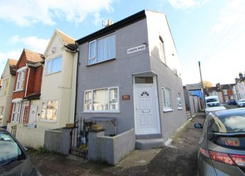 Thumbnail Room to rent in Cobden Road, Chatham