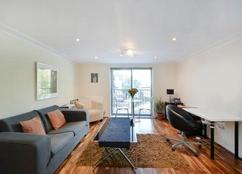 Thumbnail 1 bed flat to rent in Keswick Road, Putney, London