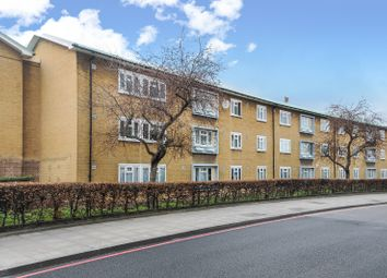 Thumbnail 3 bedroom flat to rent in Bromley Road, Catford