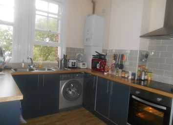 Thumbnail 5 bed flat to rent in Aylward Street, Portsmouth