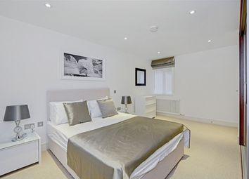 Thumbnail 1 bed flat to rent in Fitzroy Mews, London