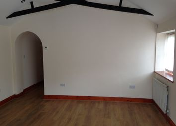 Thumbnail 2 bed bungalow to rent in Kingsway, Farnham Common