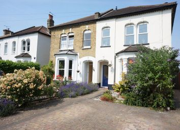 Thumbnail 3 bedroom flat for sale in Avenue Road, Westcliff-On-Sea