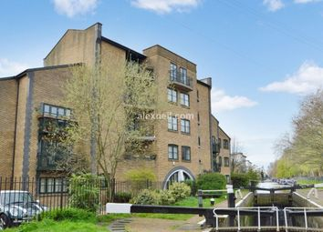 2 bed flat for sale in Parnell Road, London E3