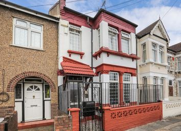 Thumbnail 3 bed flat to rent in Rochester Avenue, London