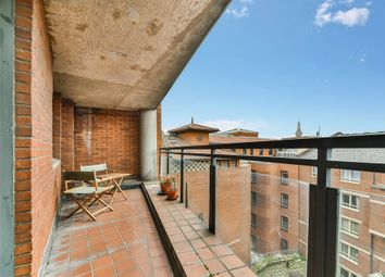 Bedford Court, London WC2E. 2 bed flat