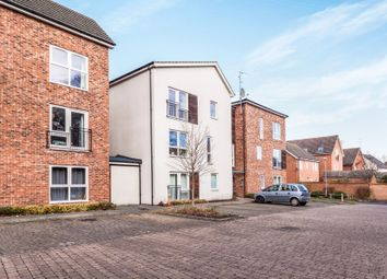 Thumbnail 2 bed flat to rent in Austin Way, Bracknell