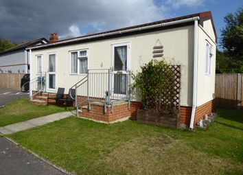 Thumbnail 1 bedroom mobile/park home for sale in Cavendish Park, College Town, Sandhurst, Berkshire