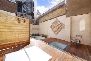 Thumbnail 5 bed flat to rent in Comet Street, London