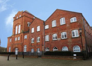 Thumbnail 2 bed flat to rent in Barley Way, Marlow