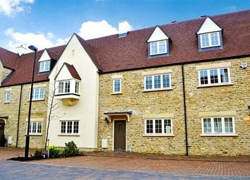 Thumbnail 5 bed town house to rent in Ashford Close, Woodstock, Woodstock, Oxfordshire