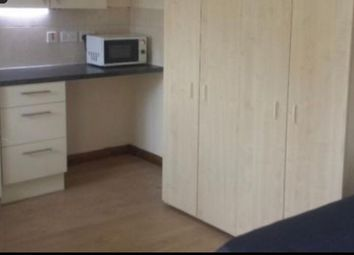 Thumbnail 1 bedroom flat to rent in Kings Avenue, Greenford