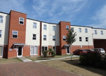 Thumbnail 2 bedroom flat to rent in Gaskell Place, Ipswich