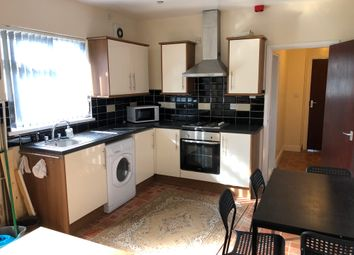 2 bed flat to rent in Woodville Road, Cathays, Cardiff CF24
