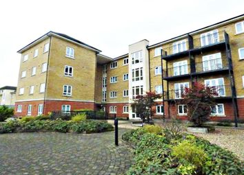 1 bed property to rent in Tadros Court, High Wycombe HP13