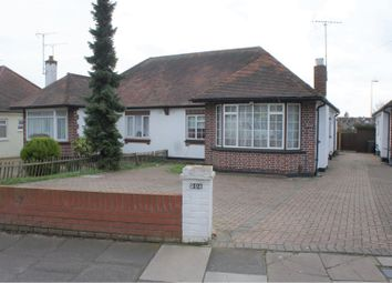 Prittlewell Chase, Westcliff-On-Sea SS0. 2 bed bungalow