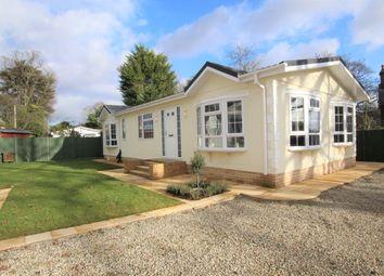 2 bed mobile/park home for sale in Strayfield Road, Enfield EN2