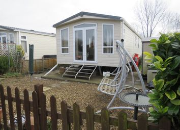 2 bed mobile/park home for sale in Mill Lane, Cogenhoe, Northampton NN7