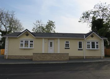 Thumbnail 2 bed mobile/park home for sale in Constellation Park, The Drift, Elsworth, Cambridge