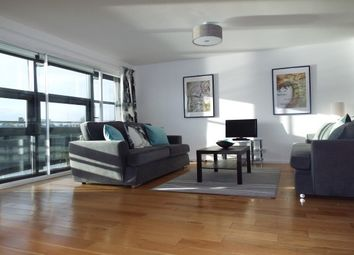 Thumbnail 2 bed flat to rent in Clyde Street, City Centre