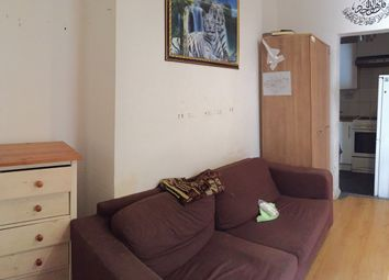 Thumbnail 1 bed flat to rent in Callcott Road, Kilburn