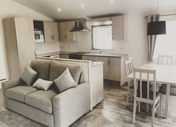 Thumbnail 2 bedroom mobile/park home to rent in Swallow Lakes, Little London
