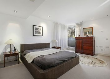 Thumbnail 2 bed flat for sale in Cityview, Lansdowne Lane, London