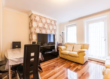 Thumbnail 3 bed flat for sale in Cornwall Avenue, Bethnal Green