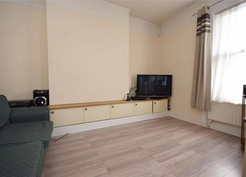 Thumbnail Flat to rent in Ridgeway Road, Redhill, Surrey
