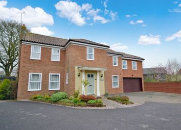 Thumbnail 6 bed detached house for sale in Riche Close, Felsted, Dunmow