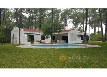 Quarteira, Loulé, Faro. 5 bed detached house