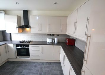 Thumbnail 3 bed flat to rent in The Parade, Leatherhead