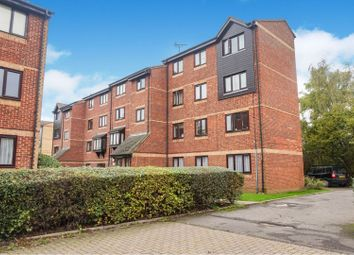 2 bed flat for sale in The Glen, Basildon SS16