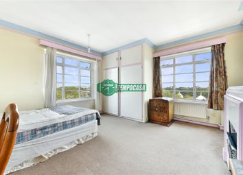 3 bed property to rent in Park Road, London NW1