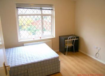 Thumbnail Room to rent in Buckingham Close, Ealing, London