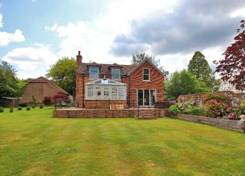 Goudhurst Road, Cranbrook TN17. 4 bed detached house