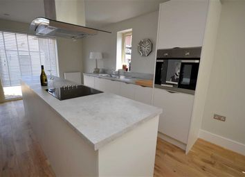 Thumbnail 4 bed property for sale in Grimsby Road, Cleethorpes
