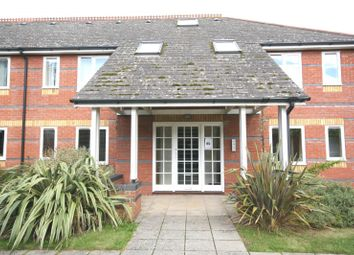 Thumbnail 2 bed flat to rent in Penhurst Court, Sidney Street, Oxford