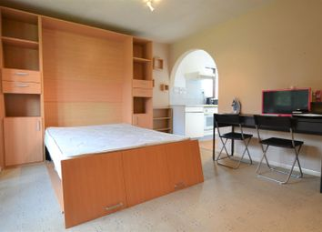 Thumbnail Studio to rent in Boxwood Close, West Drayton