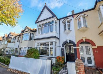 Thumbnail 1 bed flat to rent in Leighton Avenue, Leigh-On-Sea, Essex