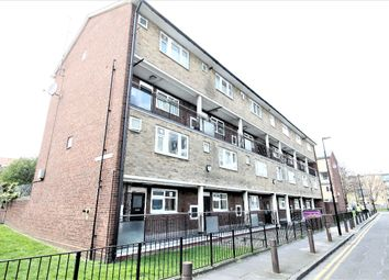 3 bed maisonette to rent in Roberta Street, Bethnal Green, London E2