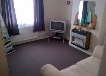 Thumbnail 1 bed flat to rent in Filbert Street East, Leicester