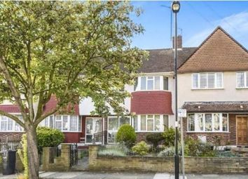 Thumbnail Room to rent in Wroxham Gardens, London