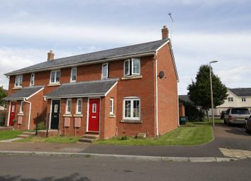 3 bed semi-detached house to rent in Oakfields, Tiverton EX16