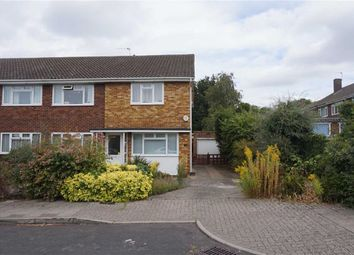 Thumbnail 2 bedroom flat for sale in Holland Close, Hayes, Bromley