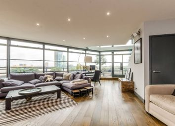 Thumbnail 3 bed flat to rent in Exchange Building, Spitalfields