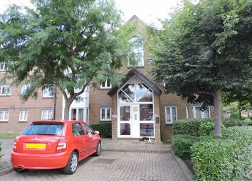 Thumbnail Studio to rent in Cotswold Way, Worcester Park