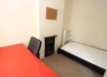 Thumbnail Room to rent in Room 3, Queensland Avenue, Earlsdon, Coventry